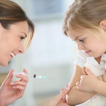 Governo falha e 84% das crianças ainda não foram vacinadas contra pólio e sarampo