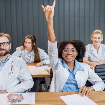 Saúde responde por 1/5 dos novos empregos no País