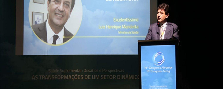 Ministro anuncia ideias para baratear planos de saúde