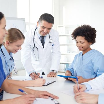 Profissionais da área da saúde aliam inovação ao trabalho mesmo em cenário de crise