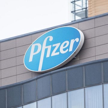 Pfizer tinha pistas de que seu remédio poderia prevenir o Alzheimer. Por que não contou ao mundo?