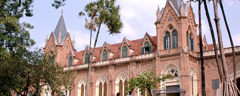 Bolsonaro sanciona MP que regulamenta empréstimos do FGTS para Santas Casas