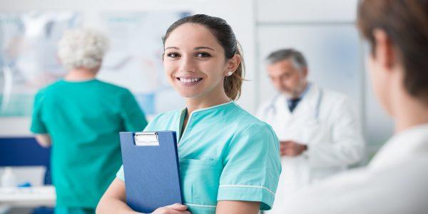 Diagnóstico e prescrição por enfermeiros no SUS exigem mais capacitação