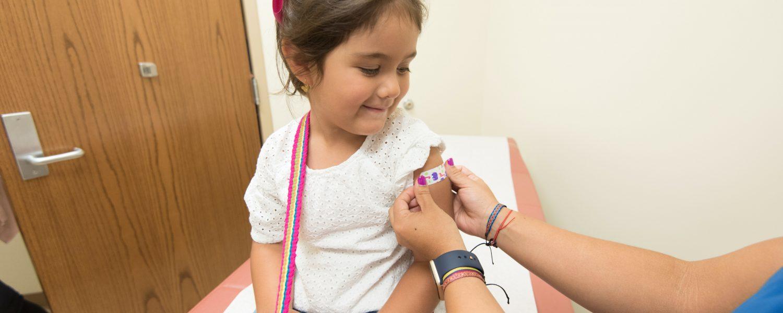Vacinação contra a gripe tem baixa adesão de gestantes e crianças